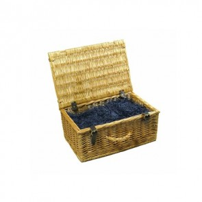 Small traditional wicker hamper (up to 8 items)