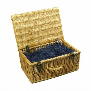Standard traditional wicker hamper (up to 14 items)